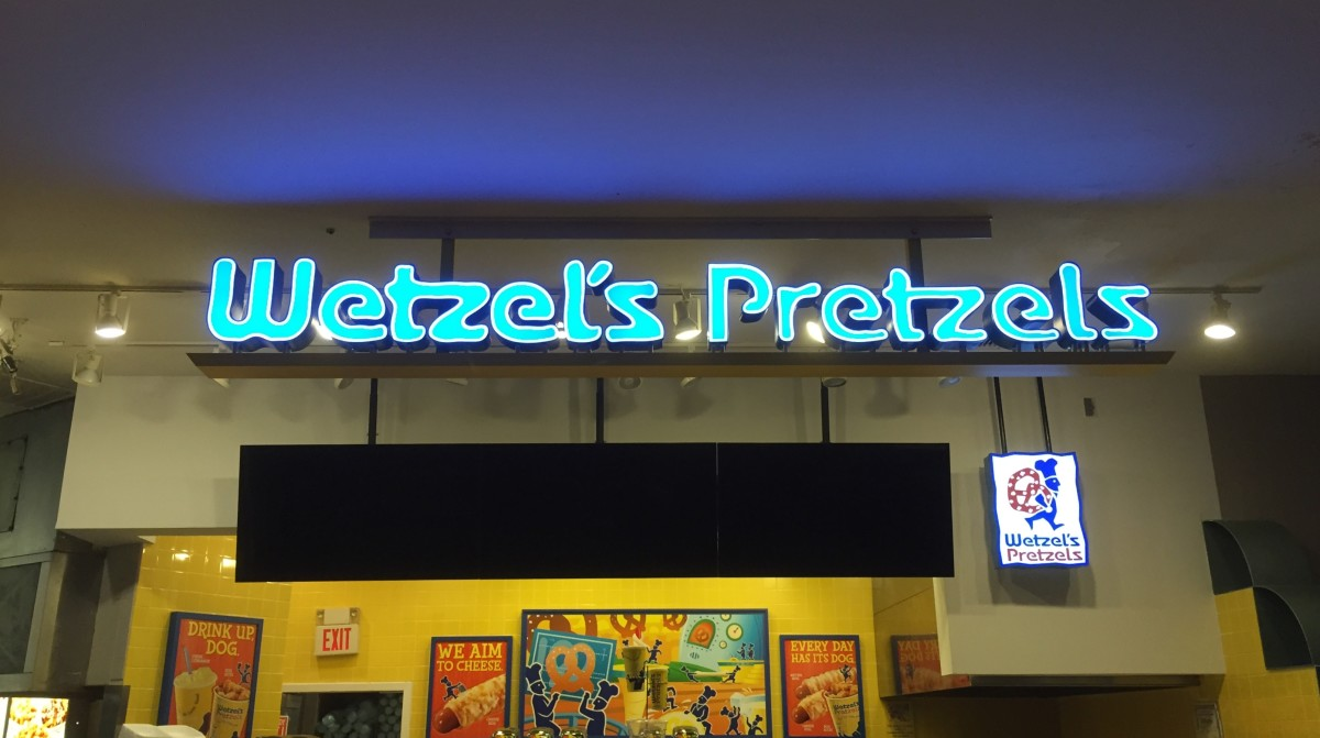 Wetzels Pretzels Sign